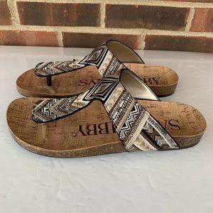 Like new Sam & Libby slip on thong flat sandals